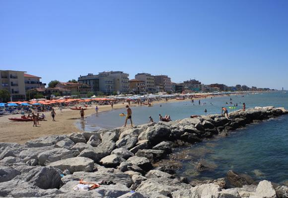 Matrimonio Spiaggia Bellaria : Spiaggia bellaria igea marina informazioni sulle spiagge