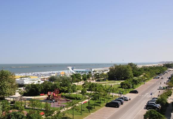 Spiaggia Cesenatico Informazioni Su Bagnini E Spiagge Libere Di Cesenatico Abc Vacanze It